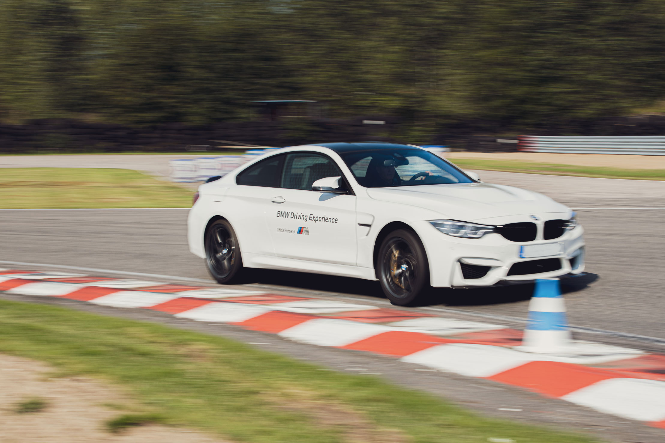 BMW Group Driving Experience Elite Studio